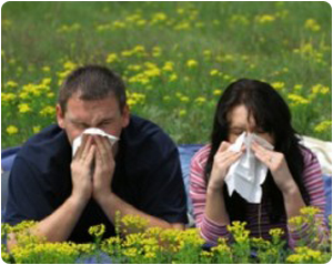 people-sneezing-outside-300x199